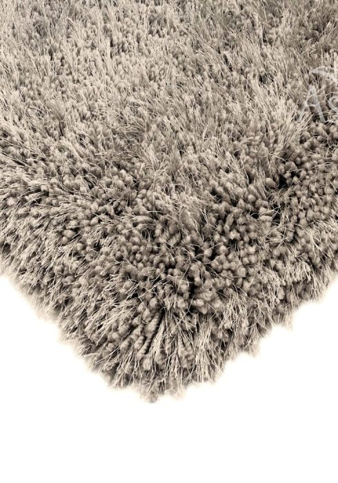 Cascade Rug by Asiatic Carpets in Mink Colour has a relaxed style, the soft microfibre, and the shiny fine yarns