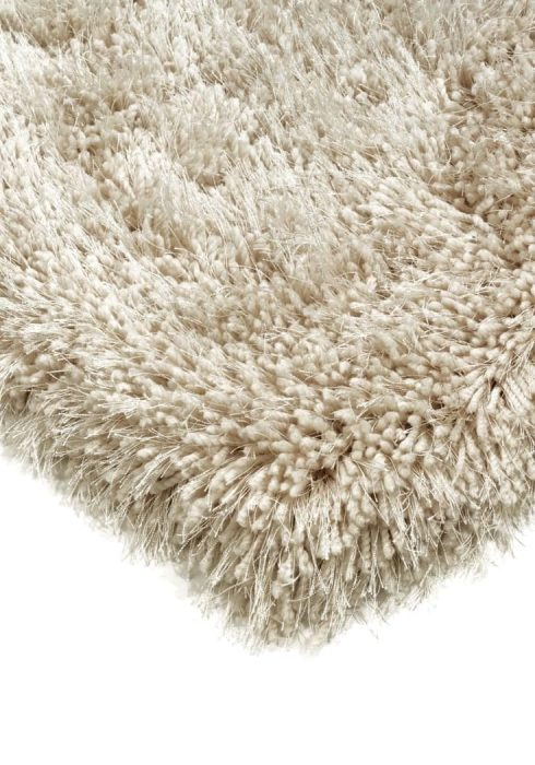 Cascade Rug by Asiatic Carpets in Sand Colour has a relaxed style, the soft microfibre, and the shiny fine yarns