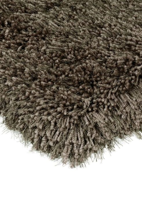 Cascade Rug by Asiatic Carpets in Smoke Colour has a relaxed style, the soft microfibre, and the shiny fine yarns