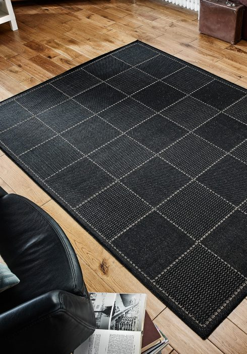 Checked Flatweave Black Roomshot Rug