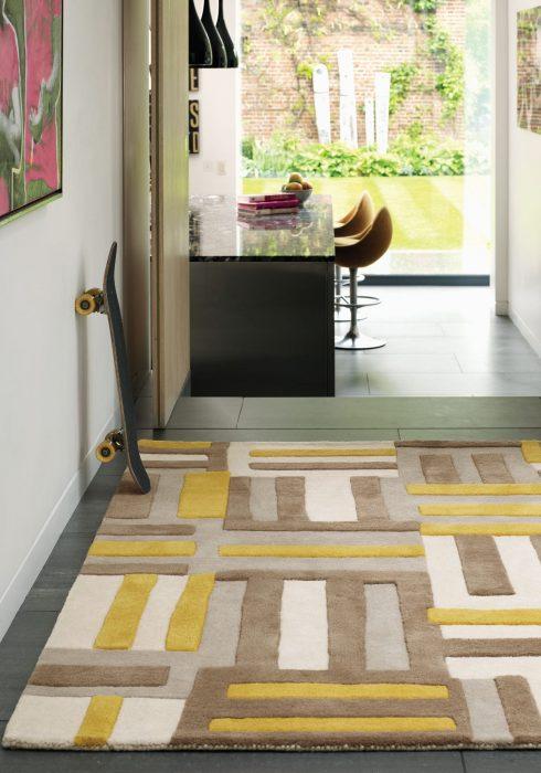 Matrix MAX17 Code Yellow Rug Roomset