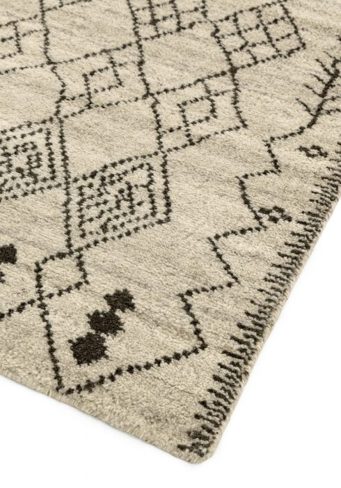 Amira AM001 Rug - Closeup