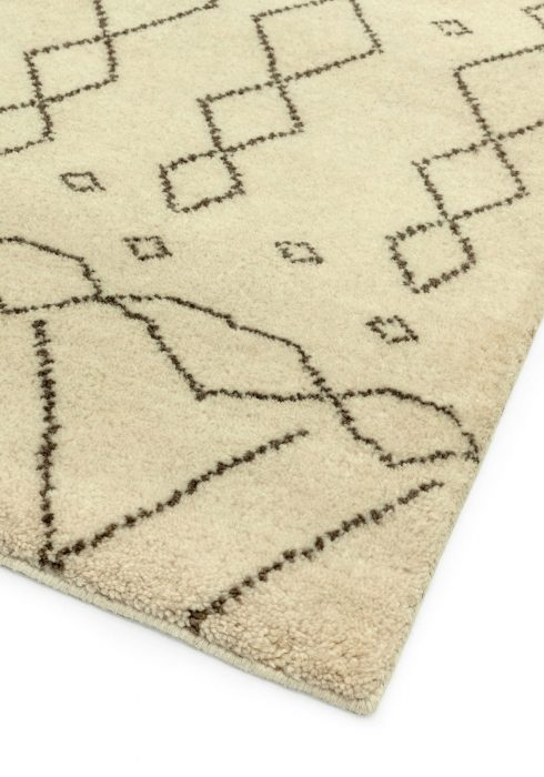 Amira AM004 Rug - Closeup