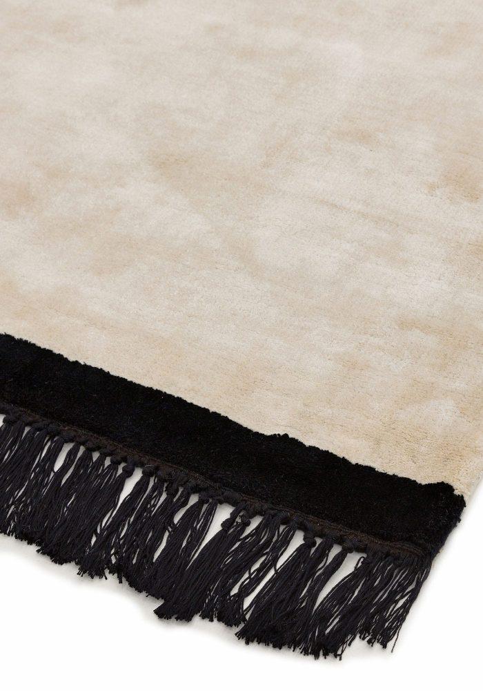 Elgin Cream Black Rug - Closeup