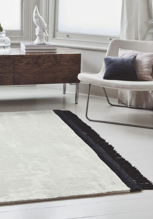 Elgin Cream Black Rug - Roomset shot